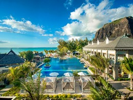 La piscine de l'hôtel The St. Regis situé au Morne
