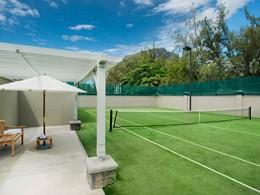 Le court de tennis de l'hôtel The St Regis Mauritius