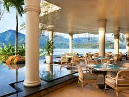 Cuisine hawaïenne classique au restaurant Makana Terrace du Princeville Resort Kauai