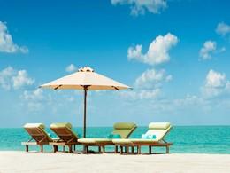 La plage immaculée de l'hôtel St. Regis Saadiyat