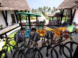 Balade à vélo au Vijitt Resort situé en Thailande