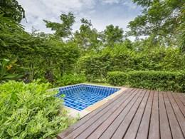 Le bain à remous de l'Outdoor Jacuzzi ® Suite