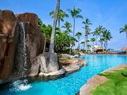 Profitez de la magnifique piscine du Westin Maui