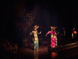 Spectacle de danse traditionnelle à l'hôtel Tugu Bali