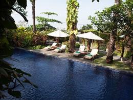 La piscine de l'hôtel Tugu Bali à Tanah Lot