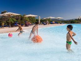 La piscine pour enfants du Valle dell'Erica en Sardaigne
