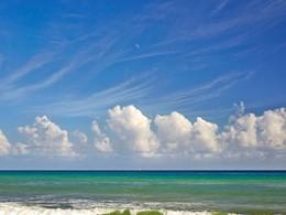 La plage de l'hôtel Viceroy Riviera Maya au Mexique