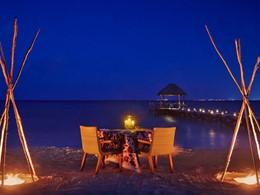 Dîner les pieds dans le sable au Viceroy Riviera Maya