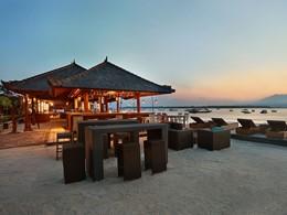 Blue Beach Bar de l'hôtel Vila Ombak à Gili Trawangan