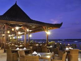 Ombak Joglo Restaurant de l'hôtel Vila Ombak