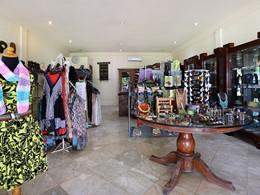 Boutique de l'hôtel Vila Ombak au sud de Gili Trawangan