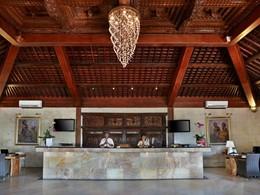 La réception de l'hôtel Vila Ombak à Lombok