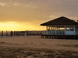 Le restaurant Praia Dourada sur la plage de Pêra