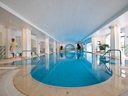 La piscine du Vila Vita Spa by Sisley Paris