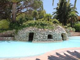L'une des piscines d'eau de mer de l'établissement