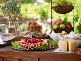 Petit déjeuner à la Villa Marandi Luxury Suites à Naxos