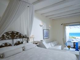 Romantic Junior Suite du Villa Marandi Luxury Suites en Grèce