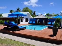 La piscine et sa magnifique terrasse