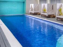 La piscine du lounge