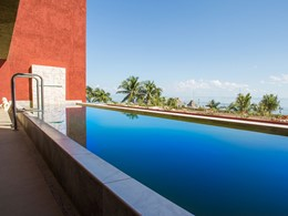 La piscine de l'Impression Ocean Front Two Bedroom Presidential Suite with Pool du Zoetry