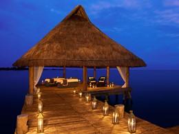 Massage en plein air à l'hôtel Zoetry Paraiso