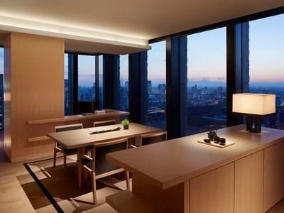 La Corner Suite