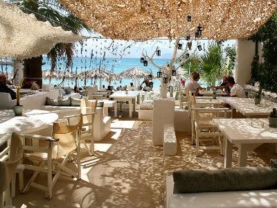 Banana Beach Bar