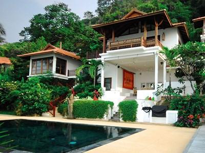 1BR Oceanfront Pool Residence