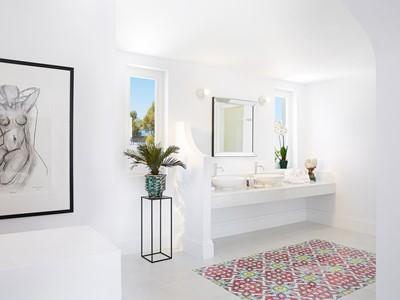 Salle de bain d'une villa du Caramel Grecotel Boutique