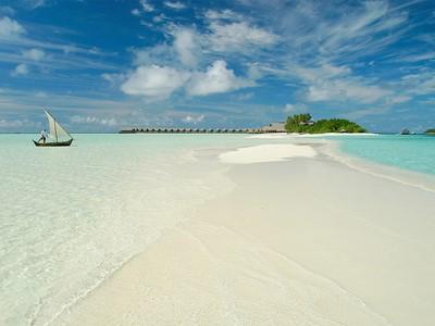 Dhoni, banc de sable et ciel bleu