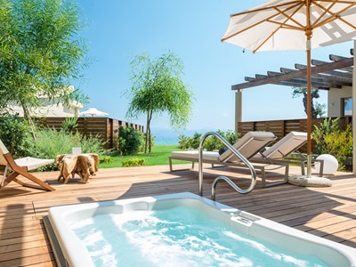 Pavilion Retreat Sea View With Outdoor Jacuzzi®