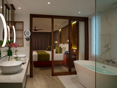 Preferred Club Presidential Suite Swim-Out Ocean Front