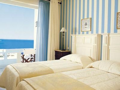 Two Bedroom Family Deluxe Suite de l'Elounda Gulf Villas
