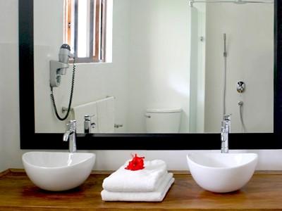 La salle de bain vous offrant tout le confort nécessaire