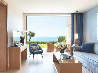 One Bedroom Family Suite Private Garden Sea View