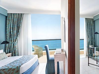 Deluxe One Bedroom Family Suite Sea View de l'Ikos Oceania