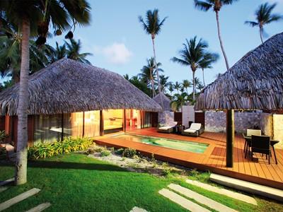 Vue exterieure de la Pool Villa de l'hôtel Kia Ora