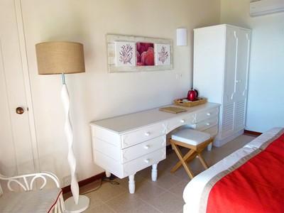 Découvrez les chambres simples et confortables de l'hôtel