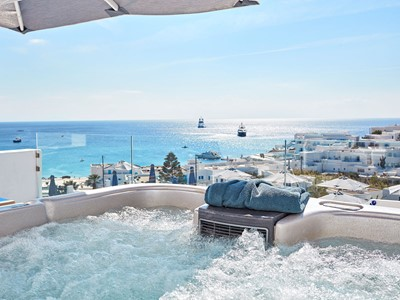 Azure Suite With Private Jacuzzi® du Myconian Ambassador