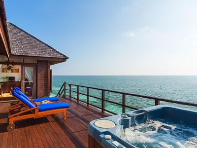 Prestige Jacuzzi Water Villa
