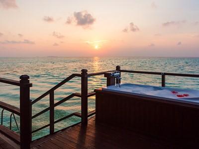 Jacuzzi Water Villa de l'hôtel Olhuveli aux Maldives