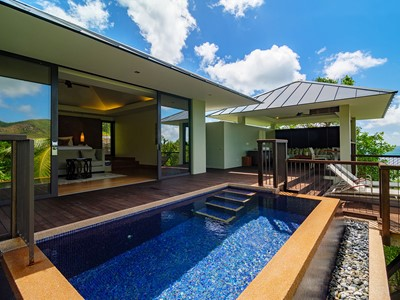 Partial Oceanview Pool Villa du Raffles Praslin