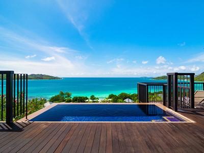 La piscine de la Panoramic Pool Villa du Raffles Praslin