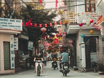 Hô-Chi-Minh-Ville de nuit en Vespa