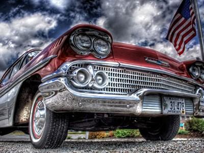 San Francisco en vieille voiture américaine