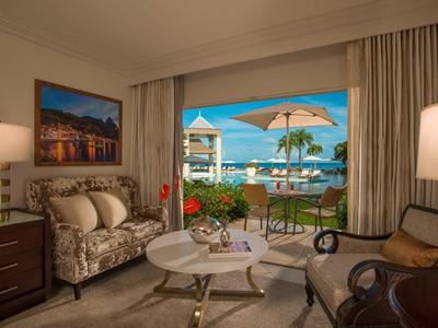 Emerald Oceanview Walkout Room du Sandals Regency La Toc