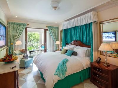 Luxury Orchid Suite