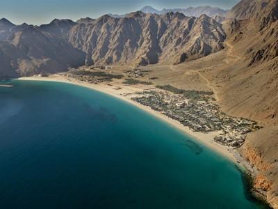 Vue aérienne de l'hôtel Six Senses Zighy Bay