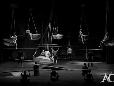 Spectacle de cirque « À O »  à l'Opéra d'Ho Chi Minh