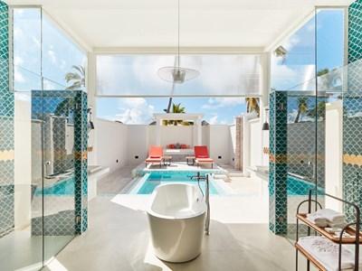 La piscine de la Sun Aqua Sultan Suite